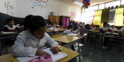 Chile está sobre el promedio de alumnos por sala de clases de países Ocde