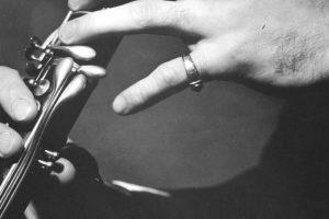 Aprender a tocar la flauta requiere de disciplina, paciencia, perseverancia, determinación y vigor Foto:Getty Images. Imagen Por: