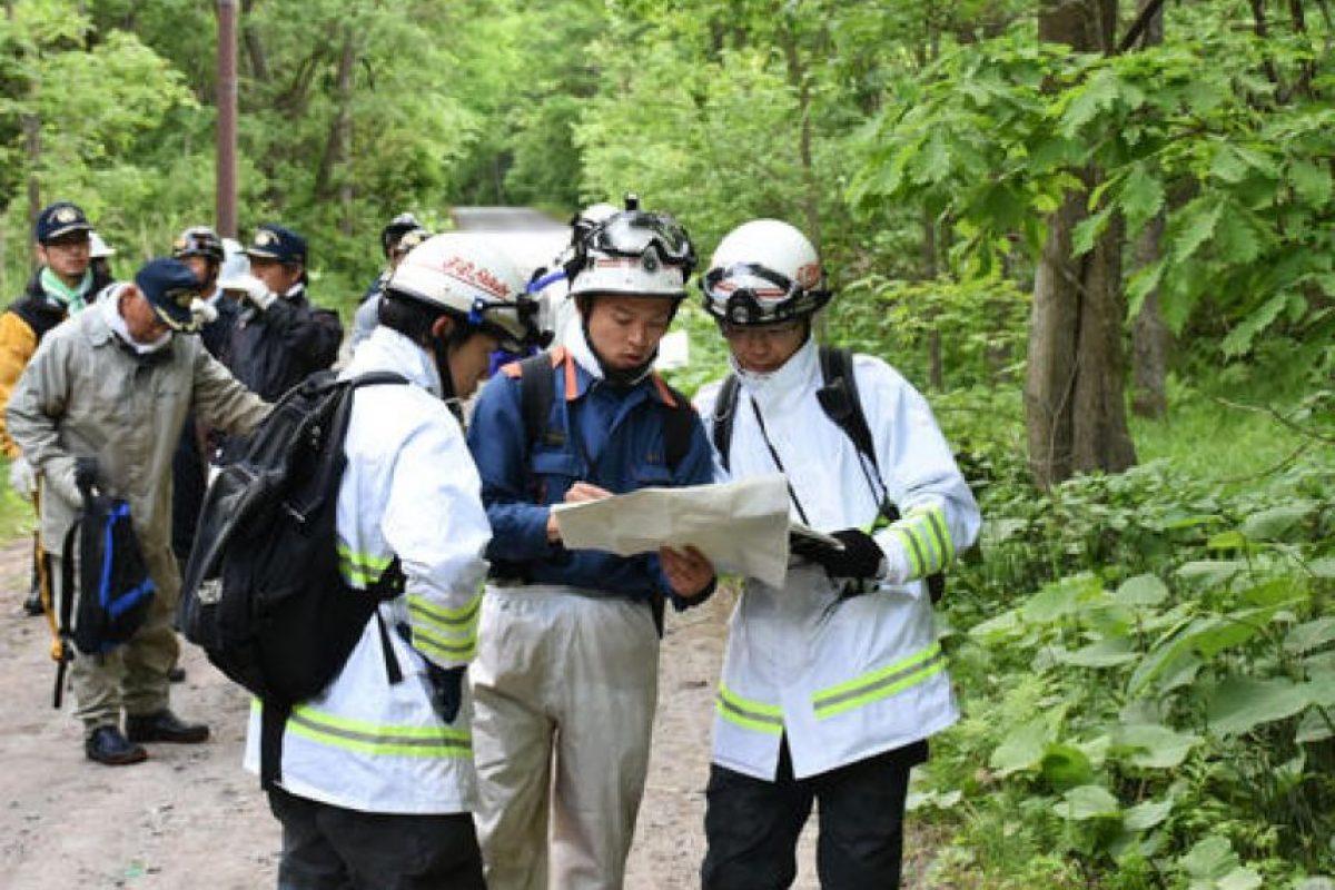 Entre militares y policías Foto:AP. Imagen Por: