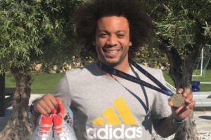 Y decidió sortear su medalla con los fans de Facebook Foto:Vía facebook.com/marcelom12. Imagen Por: