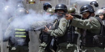 Policía dispersó con gases protesta cerca de Palacio de Gobierno en Venezuela