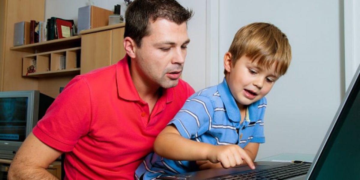 Imperdibles: cuatro consejos para regalonear a los papás con tecnología