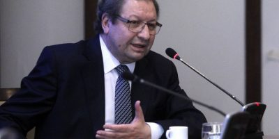 Ascanio Cavallo se enteró por la prensa que será testigo en querella de Bachelet contra Qué Pasa