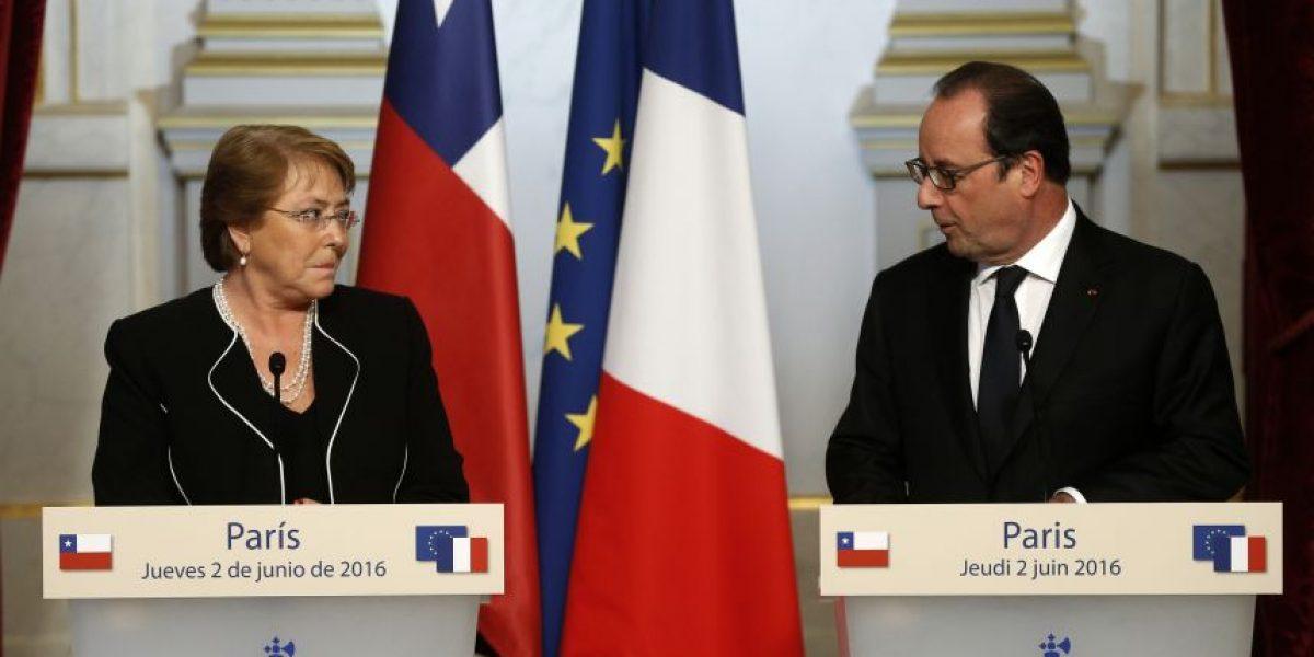 Bachelet y Hollande abogan en Paris  por el diálogo en Venezuela