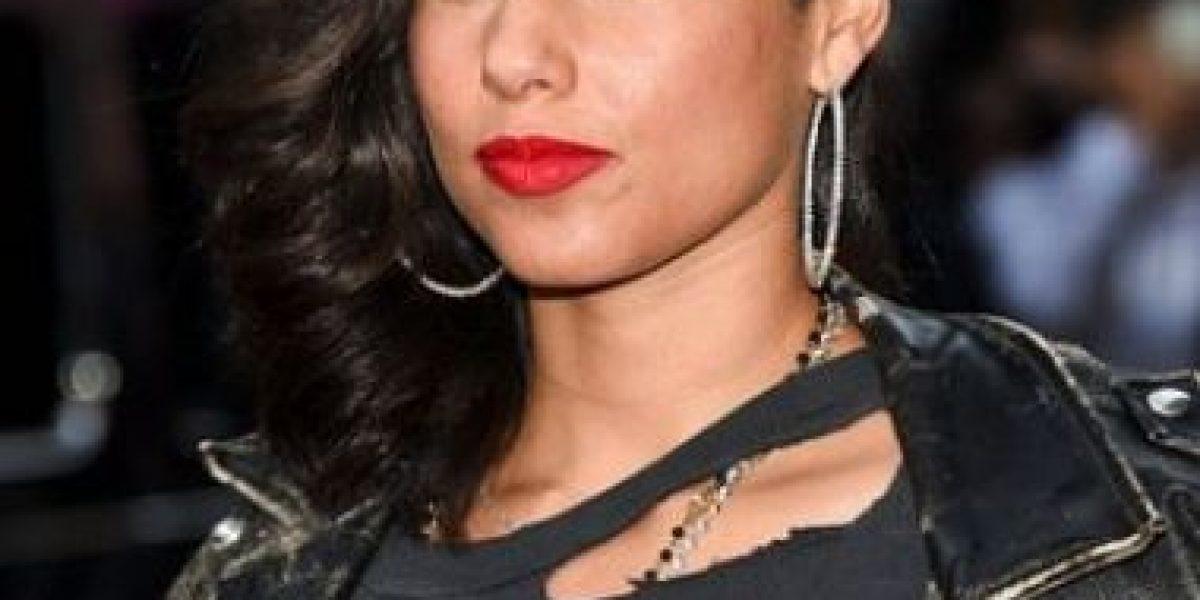 Alicia Keys renuncia al maquillaje y se muestra al natural
