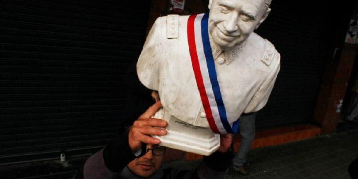 Buscan quitar categoría de hijo ilustre de Santiago a Pinochet