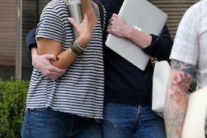 Así lucía Amber luego de cuatro horas de reunión con su equipo legal Foto:Grosby Group. Imagen Por: