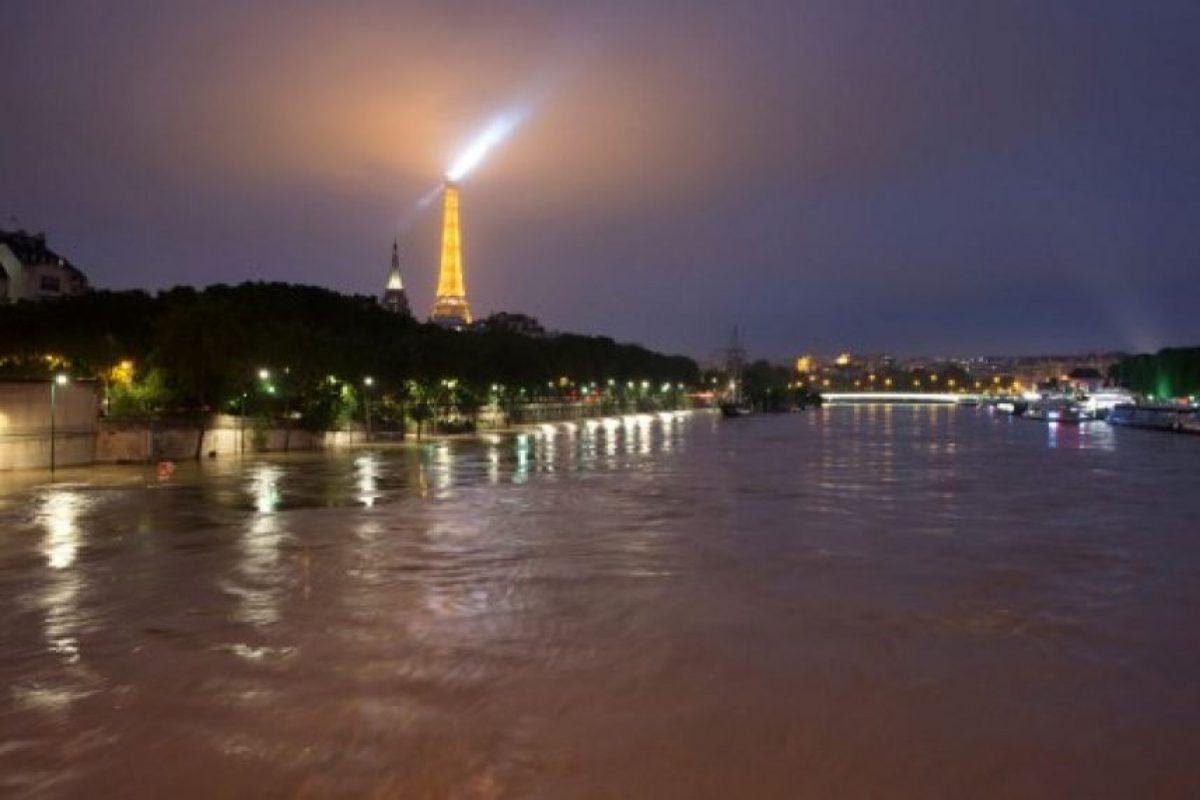 Así luce el río Sena en estos momentos. Foto:AFP. Imagen Por: