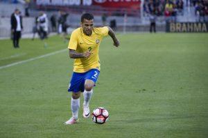 Dani Alves será la principal figura que tendrán los brasileños en Estados Unidos Foto:AFP. Imagen Por: