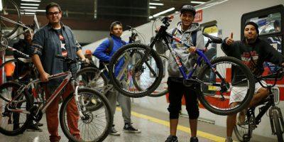 Atención: este domingo se puede viajar con la bicicleta al interior del Metro