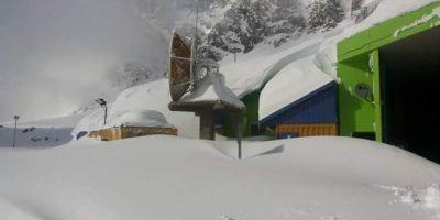 Fuertes nevadas dejan aisladas a 72 personas en paso Los Libertadores