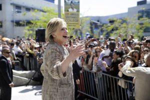 Hillary Clinton continúa siendo la favorita a la candidatura del Partido Demócrata a la presidencia. Foto:AP. Imagen Por:
