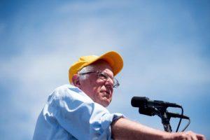 Y su rival, Bernie Sanders, evitar esa situación. Foto:AP. Imagen Por: