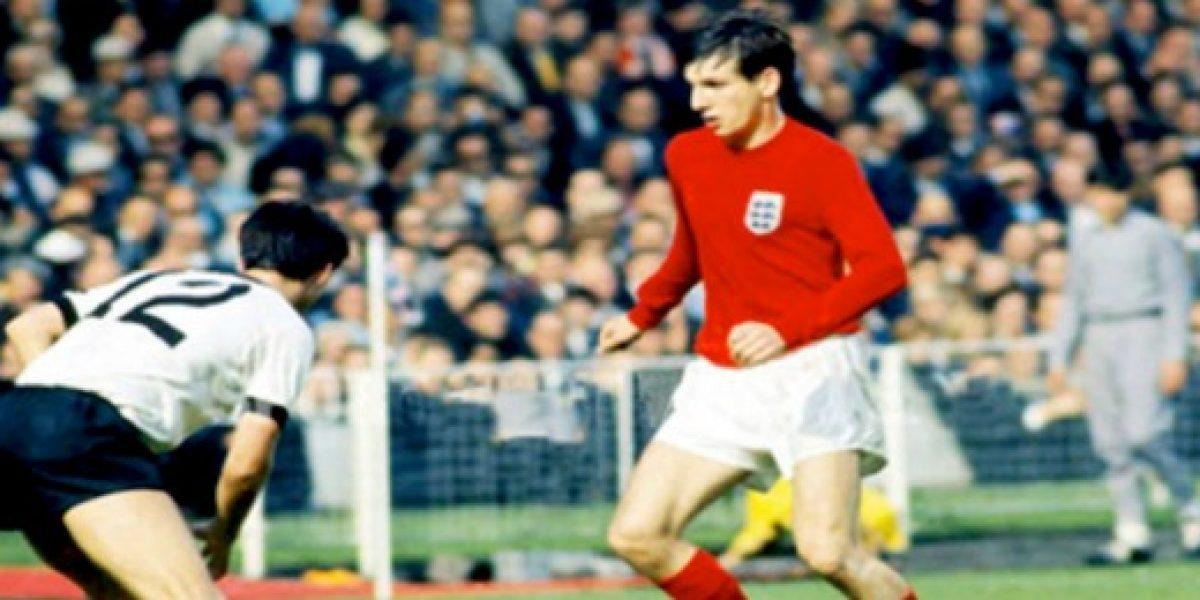 Subastan la camiseta con la que Hurst marcó 3 goles en final del Mundial-1966