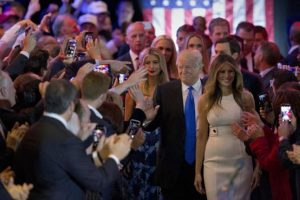 Quien a diferencia de Trump tiene el apoyo de la comunidad hispana. Foto:AP. Imagen Por: