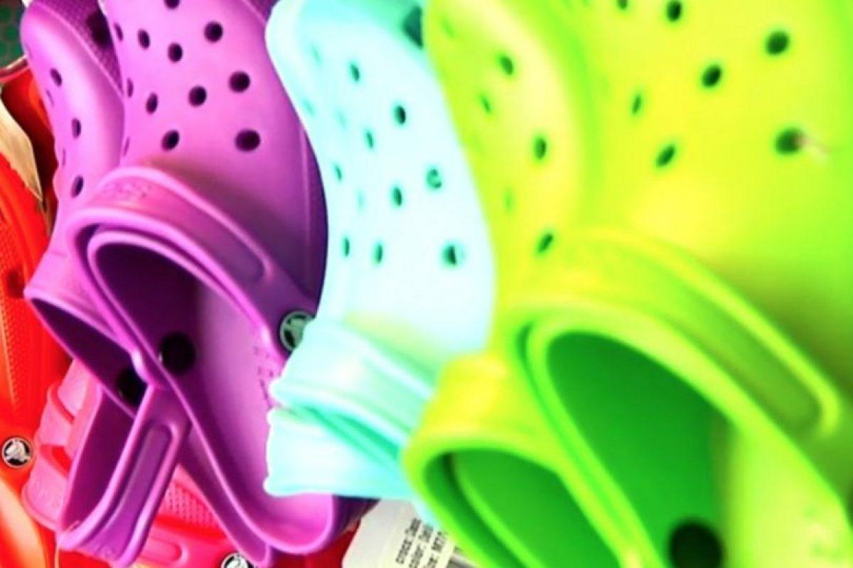 Crocs, Inc. es un fabricante de calzado fundada por el empresario George B. Boedecker, Jr. Foto:Pixabay. Imagen Por: