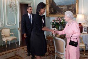 Afirmó que tenía la vajilla de la reina Isabel. Foto:vía Getty Images. Imagen Por:
