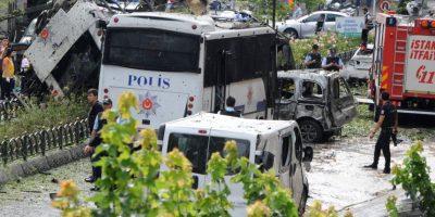 Al menos 11 muertos en Estambul en atentado contra vehículo policial