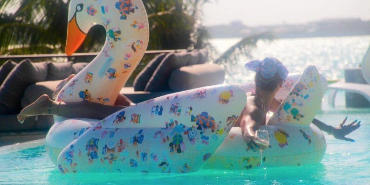 Rihanna impacta Instagram con nuevas fotos en bikini