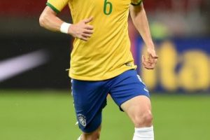 Felipe Luis (Brasil) – 1.7 millones Foto:Getty Images. Imagen Por: