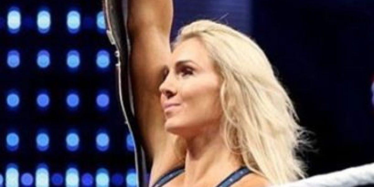 WWE: Preguntan a Charlotte si es hombre en las redes sociales