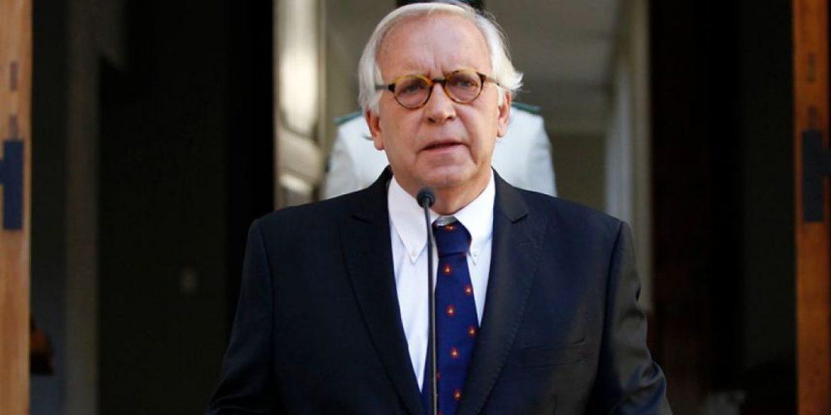 Ministro Jorge Burgos sorprende al presentar renuncia tras 13 meses en el cargo