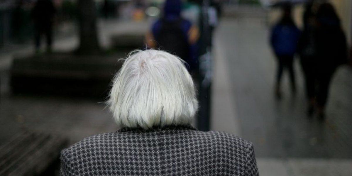 Investigan maltratos a ancianos al interior de centro del Senama en Puente Alto