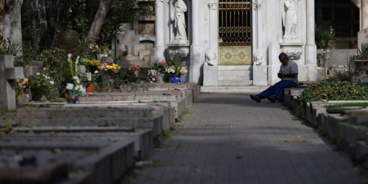 PDI investiga hallazgo de un feto sobre tumba en Cementerio General