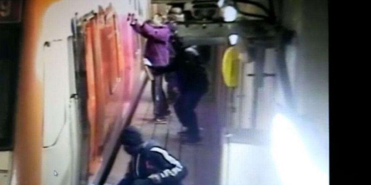 Jóvenes detenidos por rayar vagones del Metro quedaron con firma mensual