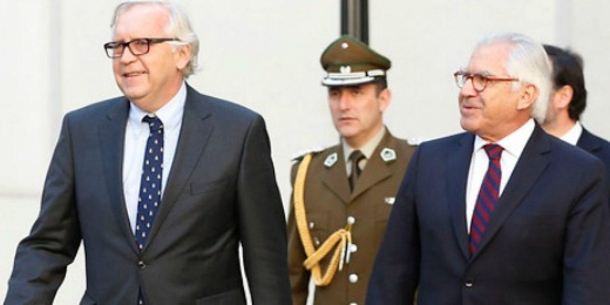 Gremios empresariales lamentaron renuncia de Jorge Burgos al Ministerio del Interior