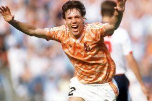 Fue uno de los grandes artífices del campeonato de la Eurocopa que consiguió Holanda en 1988 y se transformó en el campeón de aquel torneo Foto:Getty Images. Imagen Por: