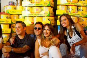 A la campaña de recolección de insumos se unieron ceñebridades de la talla de Ana María, Marc Anthony y Alejandro Sanz. Foto:comparteporunavida.com. Imagen Por: