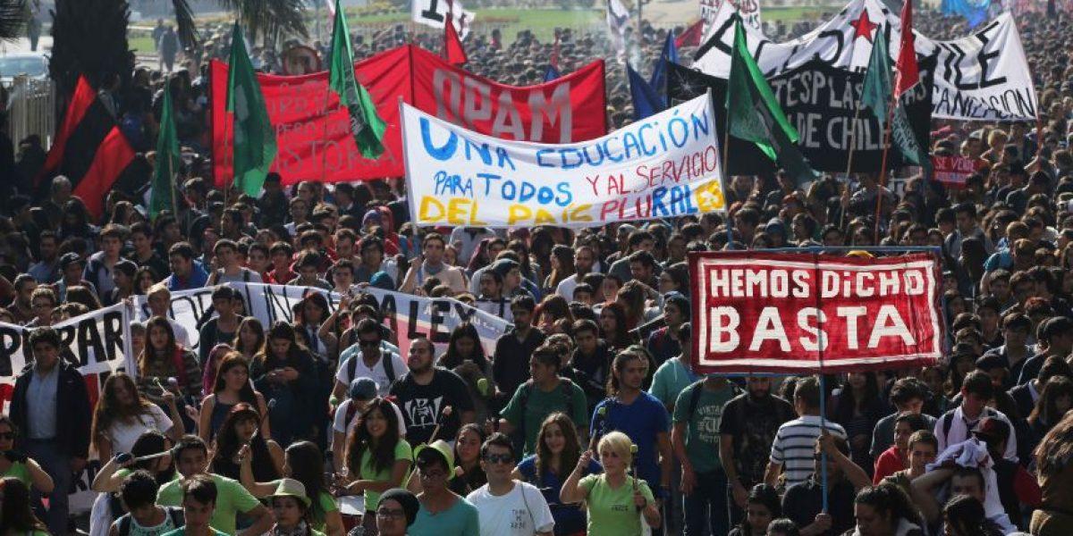 Revisa los desvíos de tránsito en Santiago por la marcha de la Confech