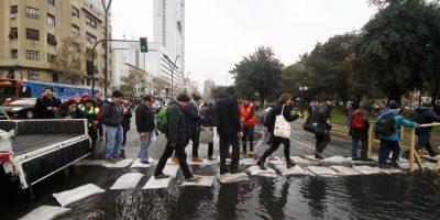 Congestión y retrasos: las postales que dejó en Santiago emergencia por rotura de matriz