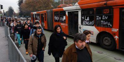Transantiago: 50 buses clones reforzarán hora punta en Santiago tras rotura de matriz