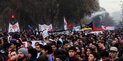 Confech califica como exitosa marcha estudiantil y repudian acto vandálico contra imagen de Cristo