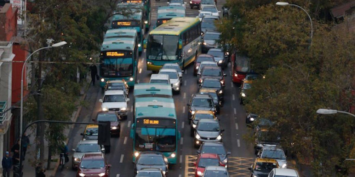 Caos en Santiago: tramo Alameda-Providencia será exclusivo para transporte público durante esta tarde
