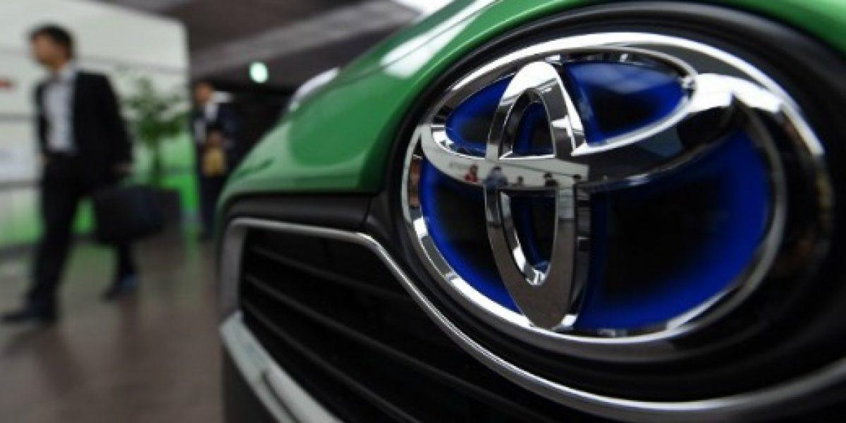 Toyota prepara un plan para que 25 mil de sus empleados trabajen desde casa