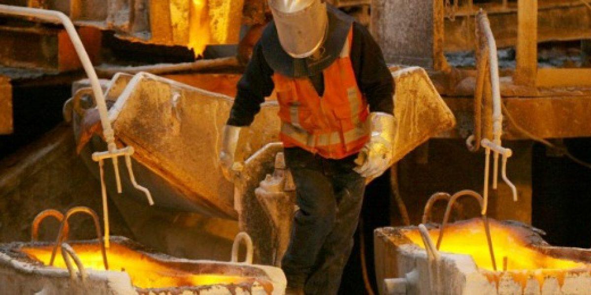 Precio del cobre vuelve a registrar una caída