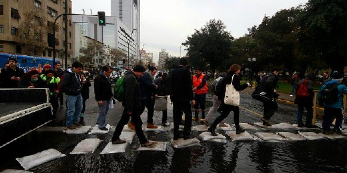 Rotura de matriz: Sernac pide a Aguas Andinas que informe sobre causas y cantidad de afectados