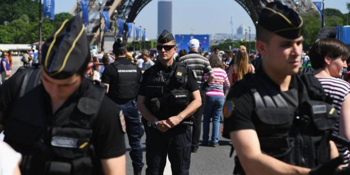 Francia: La Eurocopa llega en medio de huelgas, basura y amenazas terroristas