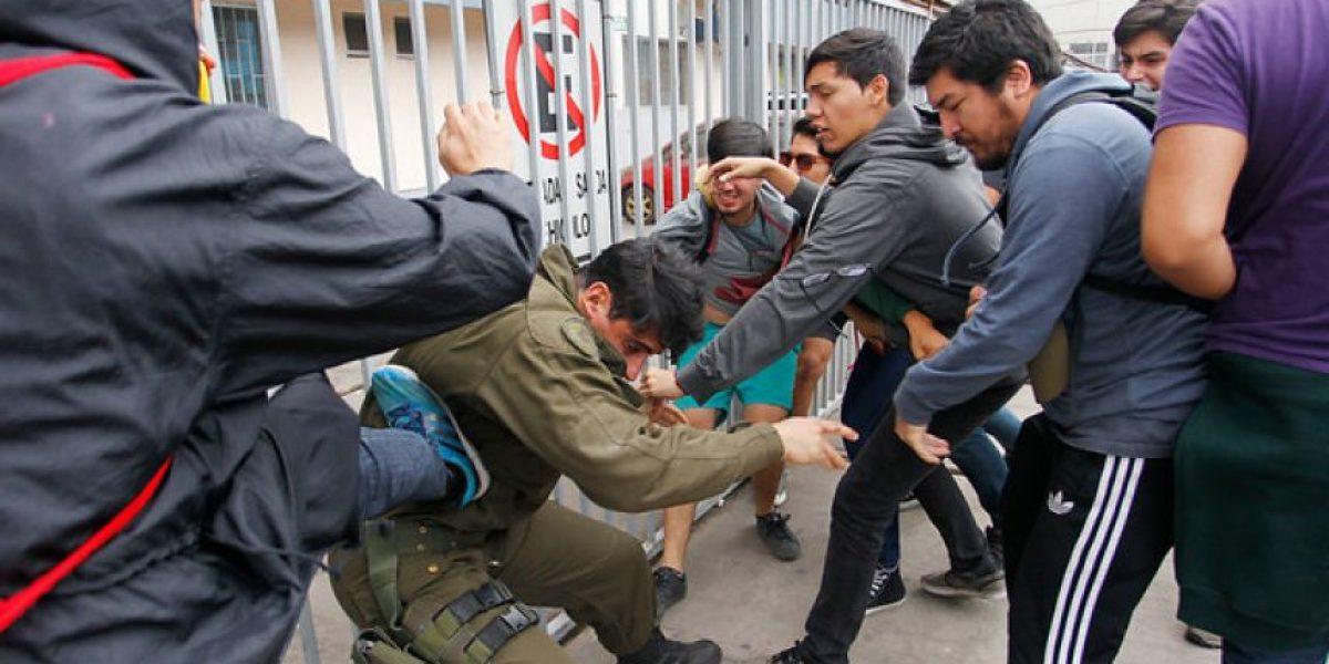 Iquique: así fue la brutal agresión a carabinero en marcha de la Confech
