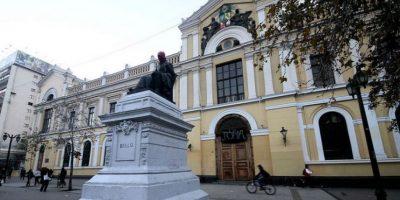 Casa Central de la Universidad de Chile amanece tomada por estudiantes