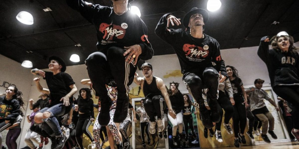 Power Peralta celebra quinto aniversario de academias lanzando un documental