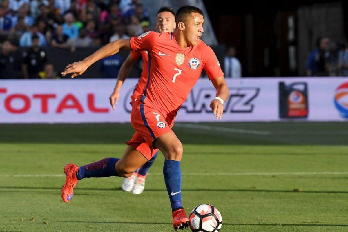 Chile, por su parte, tampoco empezó bien y cayó ante Argentina por 2 a 1. Ahora están obligados a ganar para avanzar de ronda en la Copa América Centenario Foto:Getty Images. Imagen Por: