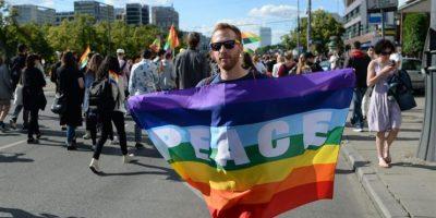 Centenares de homosexuales se manifiestan por igualdad de derechos en Polonia
