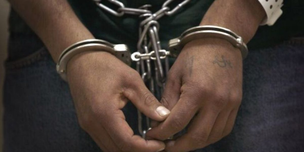 Queda en prisión preventiva joven tras apuñalar más de 20 veces a un chofer de Concepción
