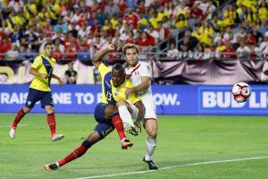 En tanto, Ecuador está obligado a ganar para tener chances de avanzar. Luego, dependiendo la diferencia que saquen, deberá esperar el resultado de Brasil con Perú Foto:Getty Images. Imagen Por: