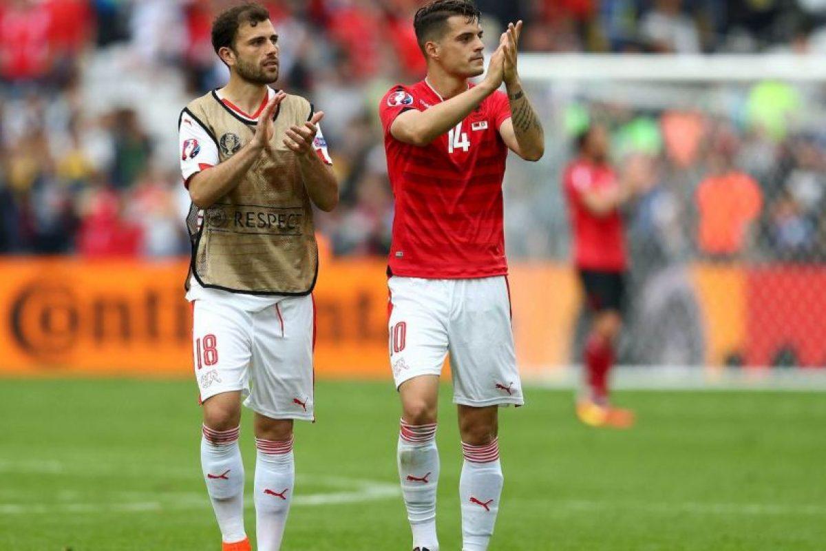 En Albania, Taulant lleva la camiseta 14 Foto:Getty Images. Imagen Por: