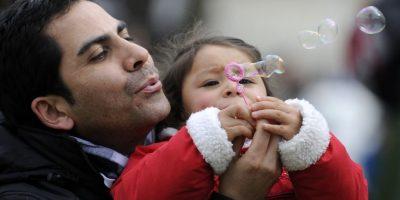 Farkas premiará con 60 millones de pesos a los mejores padres de Chile